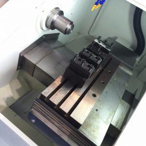 High-Precision-Flat-Bed-CNC-Lathe-Machine-BL-Z0640- 02